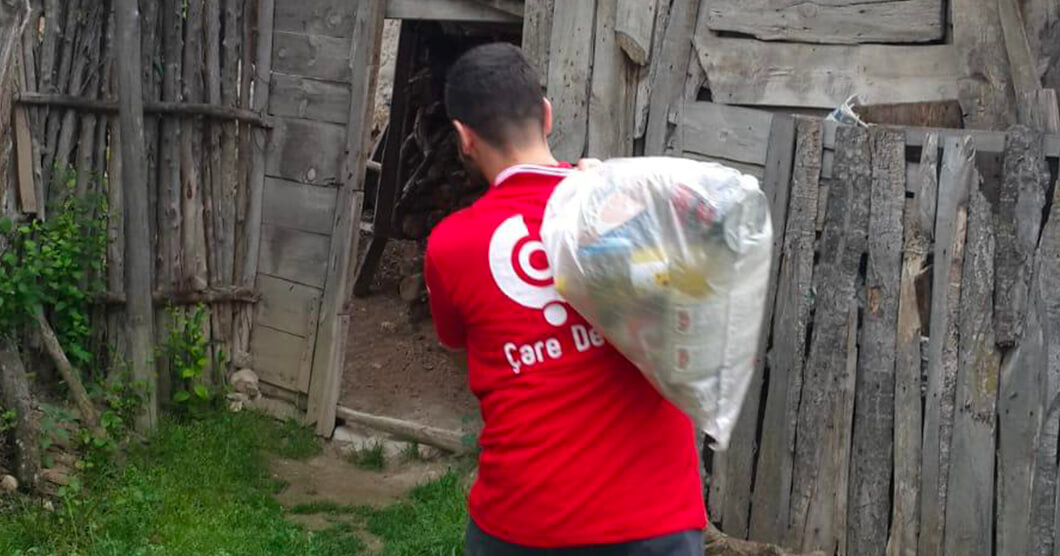 Help Ramadan were distributed to needy families in Turkey